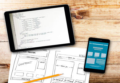 Projekty ołówkiem i główny kod